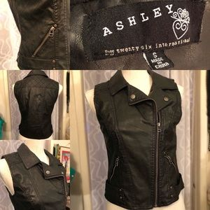 (NWOT)Ashley Pleather Biker Vest
